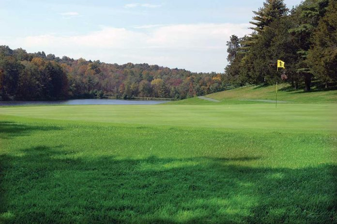 visit ulster county this fall for golf and much more. Black Bedroom Furniture Sets. Home Design Ideas